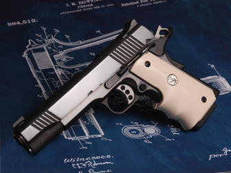 1911 Fingergroove Grip